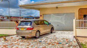 Auto kopen of huren insuriname