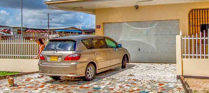 Auto Kopen of huren in Suriname