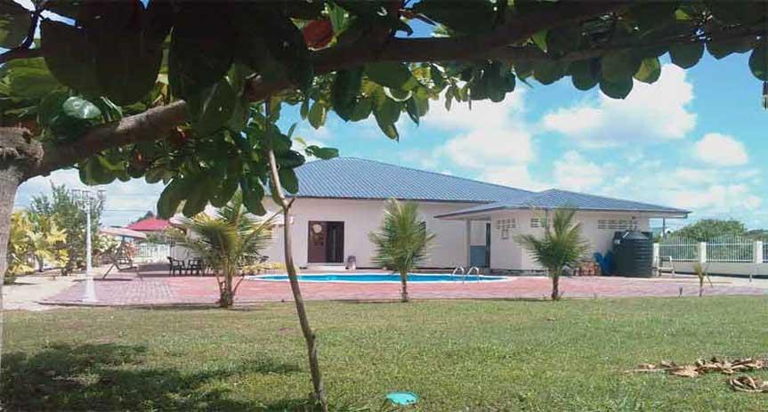 Husi kopen of huren in Suriname